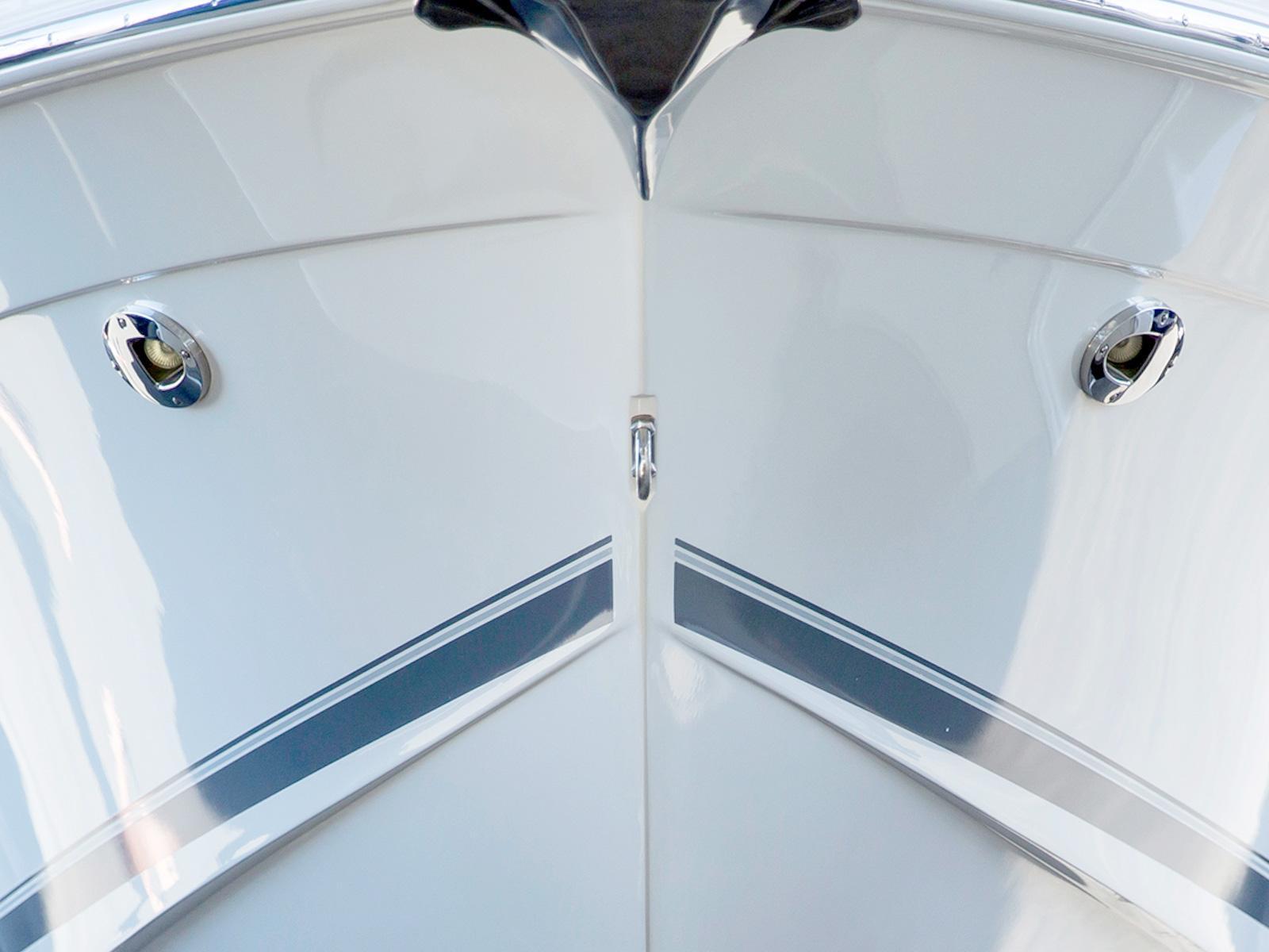 båd med gelcoat og blank topcoat