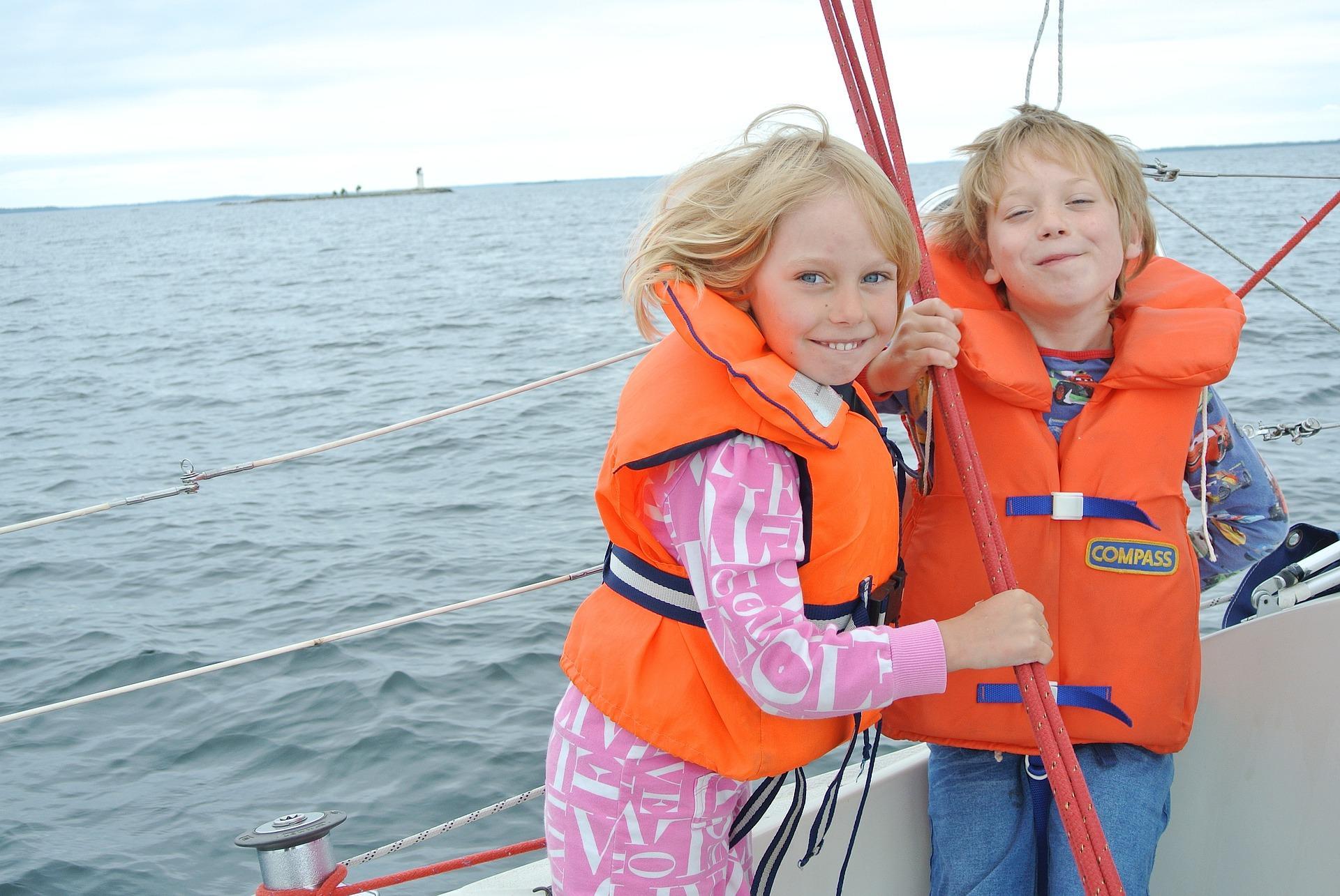 7 ting at lære dine børn om sejlads, inden I stævner ud
