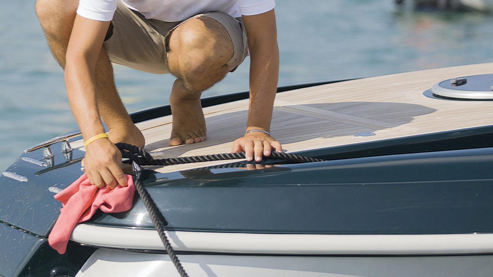 Rengøring af båd: få større glæde ved at sejle, med en ren og pæn båd