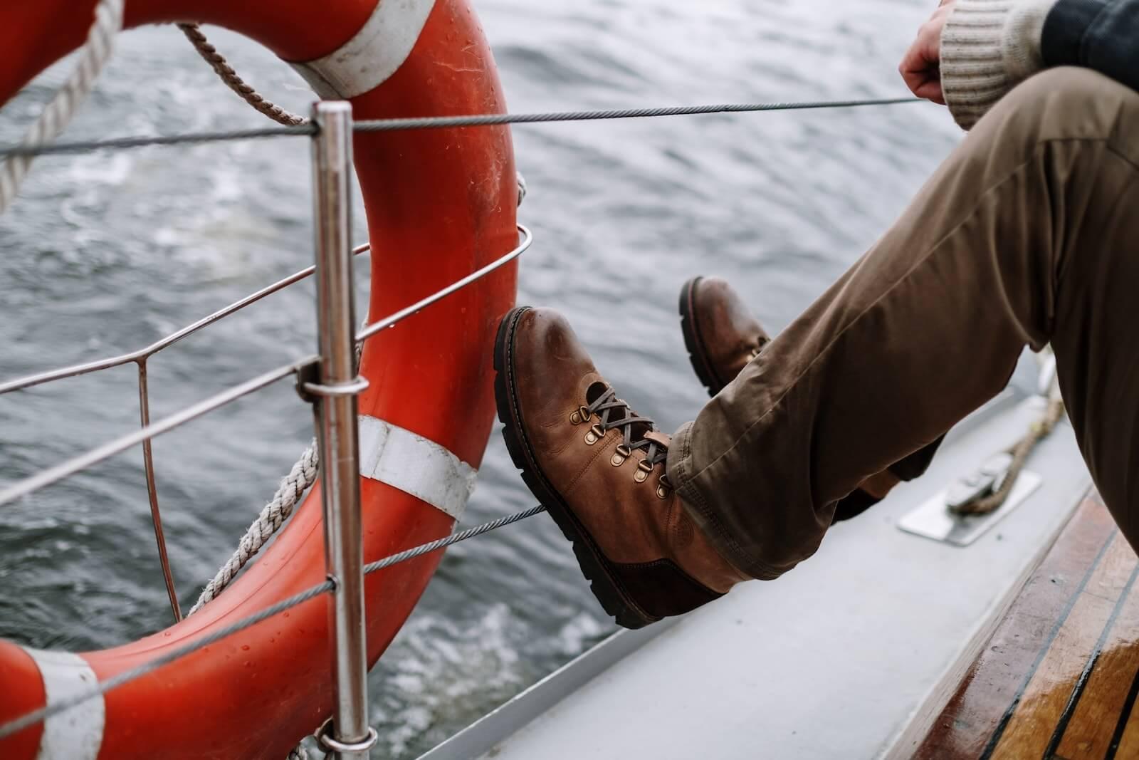 Sikker sejlads: sådan færdes du sikkert på havet